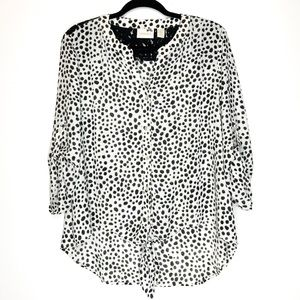 Chico's Spotted Button Down Hi-Lo Blouse Size 2